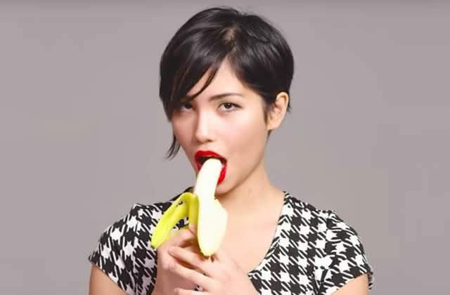 fille-mange-banane-sexy.jpg
