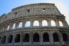 rome-italie-colise.jpg.95e90fca92ad049528563df147cd1cb7.jpg