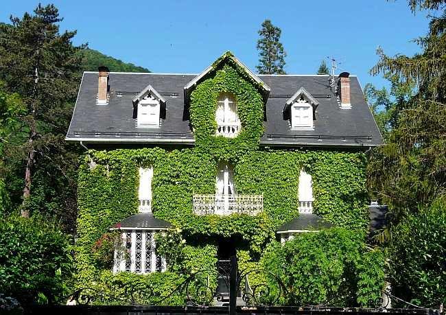 1191371865_Bagnres-de-Luchon_maison_verte_bd_Gorsse.jpg.545fadb9fd539ad00eeb6aed16bb2e14.jpg