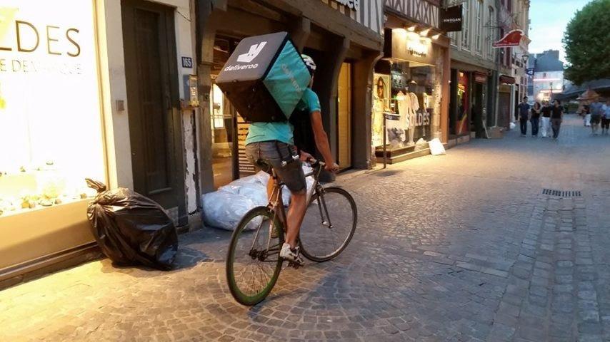 deliveroo-rouen-recrute-cherche.jpg
