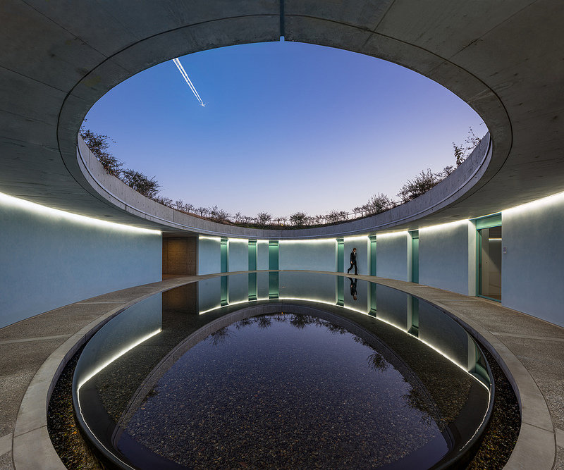 naoshima_oval-tadao-ando-vernaculaire-interieur.jpg.d7b68fcce997c908be950b5161263757.jpg