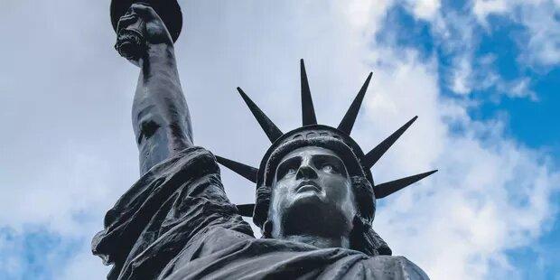 EXCLUSIF.-La-France-va-envoyer-une-nouvelle-statue-de-la-Liberte-aux-Etats-Unis.jpg