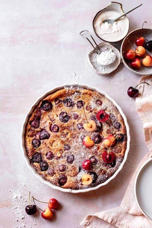 recette-clafoutis-aux-cerises-farine-amande-dessert-sans-gluten.jpeg